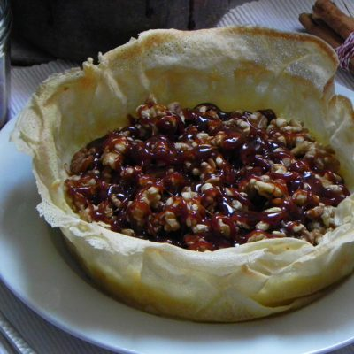 Sheep's Cheese & Black Grape Salsa Tart With Salted Caramel
