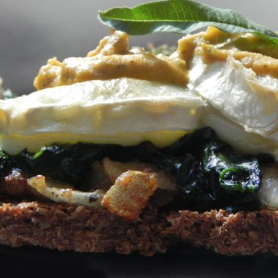 Seaweed Oatcakes With Creamy Spinach, Goats Cheese And Green Olive Almond Pâté